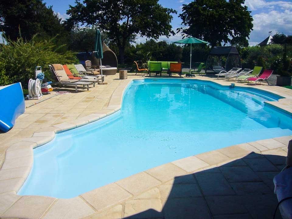 La piscine chauffée du domaine